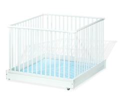 laufgitter wei klappbar lebensfluss berlin kinderschutzgitter holz massiv baby. Black Bedroom Furniture Sets. Home Design Ideas